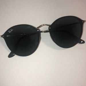Ray-Ban Blaze round black with green lenses